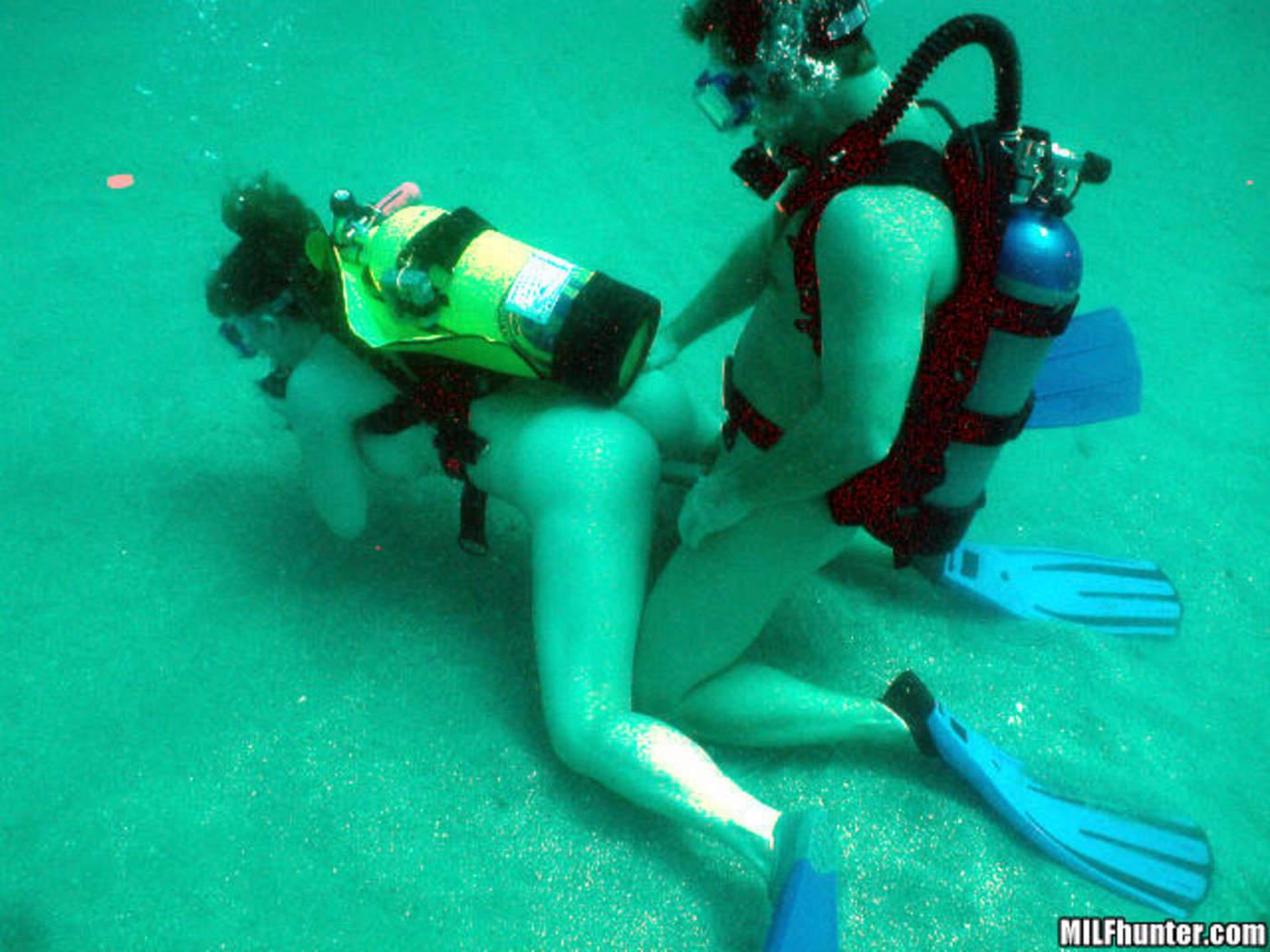 Секс в воді